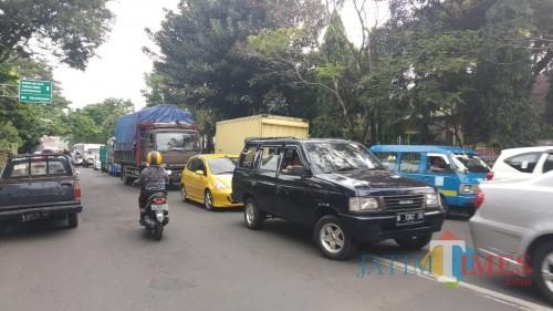 Kemacetan di Kota Malang yang terjadi hampir setiap jam (Pipit Anggraeni/MalangTIMES).
