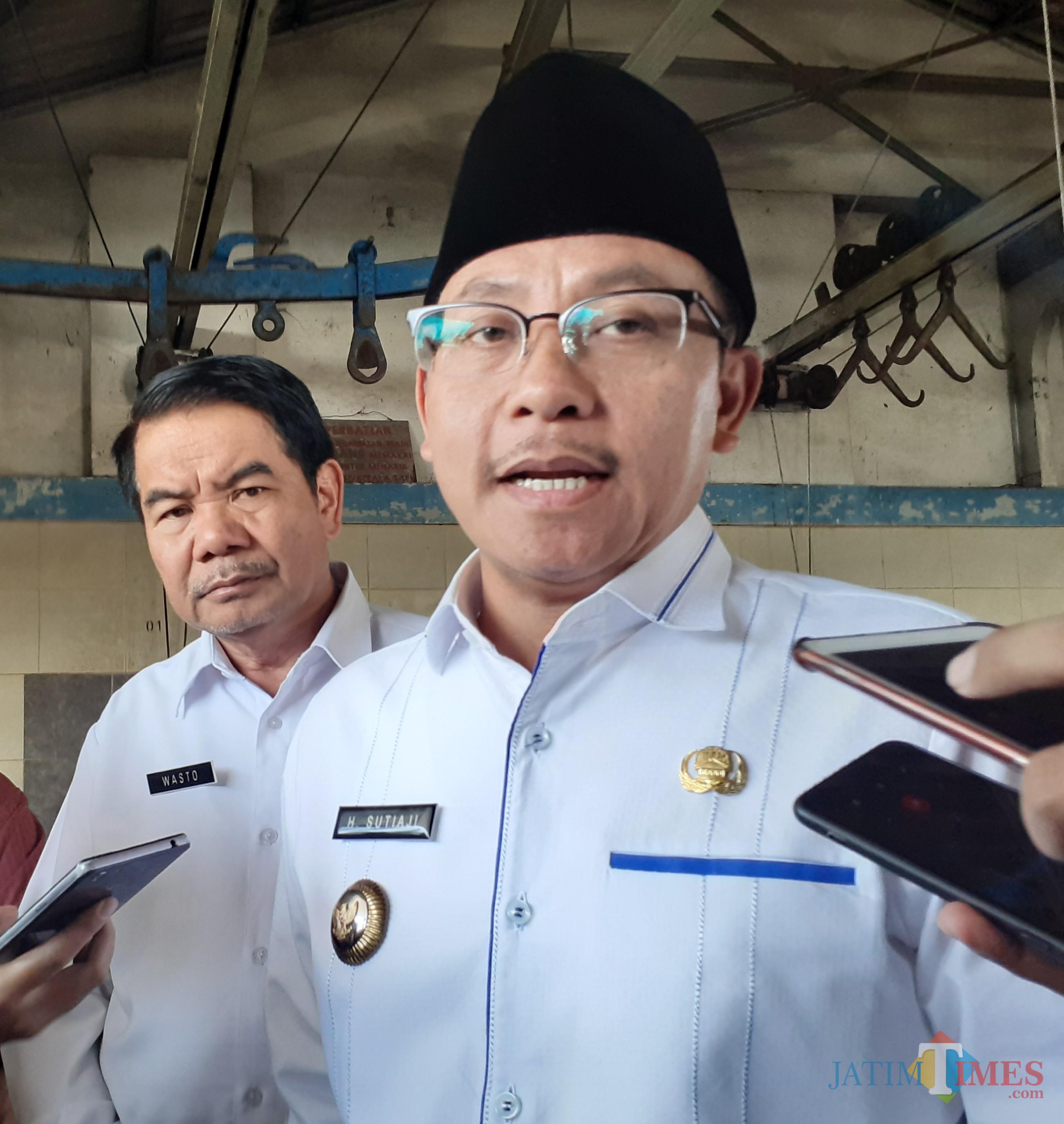 Wali Kota Malang Sutiaji (berkopyah) (Arifina Cahyanti Firdausi/MalangTIMES)