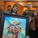 Mengenal Sadikin Pard, Pelukis Tuna Daksa yang Bikin Gubernur Jatim Khofifah Bangga
