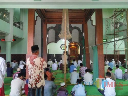 Empat pilar Masjid Bungkuk di Singosari yang masih dipertahankan dan berdiri kokoh sampai sekarang (Pipit Anggraeni/MalangTIMES).