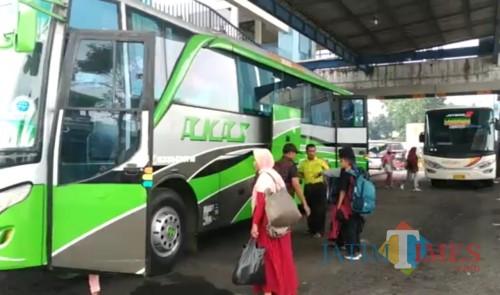 Ilustrasi pemudik di Terminal Arjosari Kota Malang (Arifina Cahyanti Firdausi/MalangTIMES)