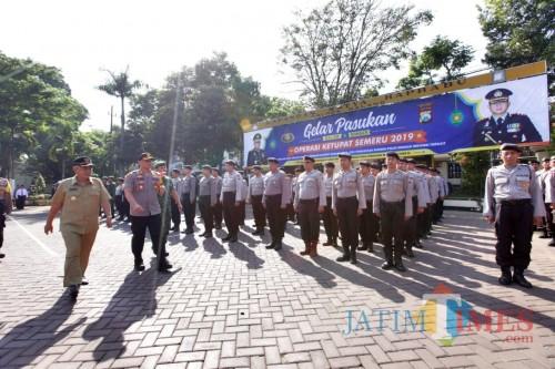 Ratusan personel gabungan saat apel gelar pasukan Operasi Ketupat Semeru 2019, Kabupaten Malang (Foto: Humas Polres Malang for MalangTIMES)