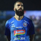 Striker asing baru Arema FC, Sylvano Comvalius (@sylvanocomvalius)