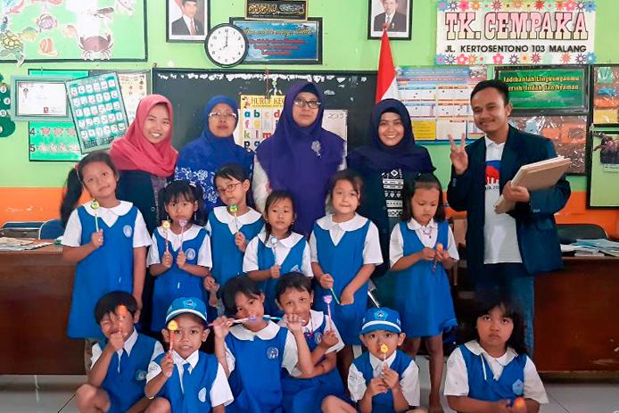 Tim GORLIDS Bersama Guru dan Siswa TK Cempaka. (Foto istimewa)