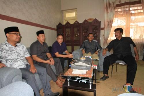 Anggota DPRD Kota Probolinggo yang masuk dihari pertama libur lebaran (Agus Salam.Jatim TIMES)