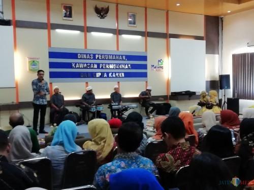 Kepala DPKPCK Kabupaten Malang Wahyu Hidayat saat memberikan sambutan di acara halal bihalal, Senin (10/06/2019) (Nana)