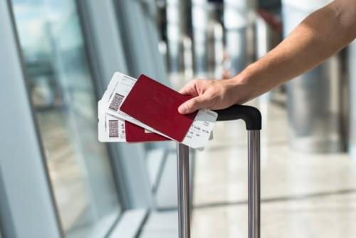 Ilustrasi tiket pesawat Foto: Shutterstock