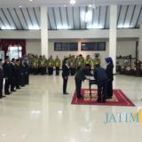 Suasana pelantikan 11 pejabat di lingkungan Pemkab Jember dua hari pasca-libur Lebaran. (foto : basid / Jatim TIMES)