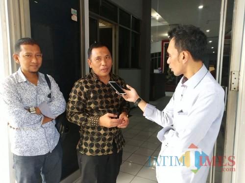 Wabup Situbondo pakai baju batik (Foto Heru Hartanto / Situbondo TIMES)
