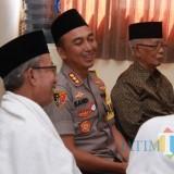 Kapolrestabes Surabaya Kombespol Sandi Nugroho ketika bersilaturahmi ke kantor MUI Surabaya