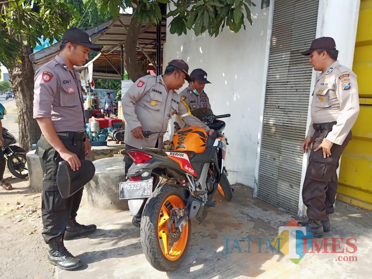 Motor pelaku diamankan petugas kepolisian di sekitar lokasi penangkapan