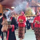 Kirab ketupat berbahan cokelat di Wisata Edukasi Kampung Coklat.