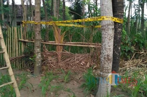Lokasi tempat korban gantung diri. (eko Arif s /JatimTimes)