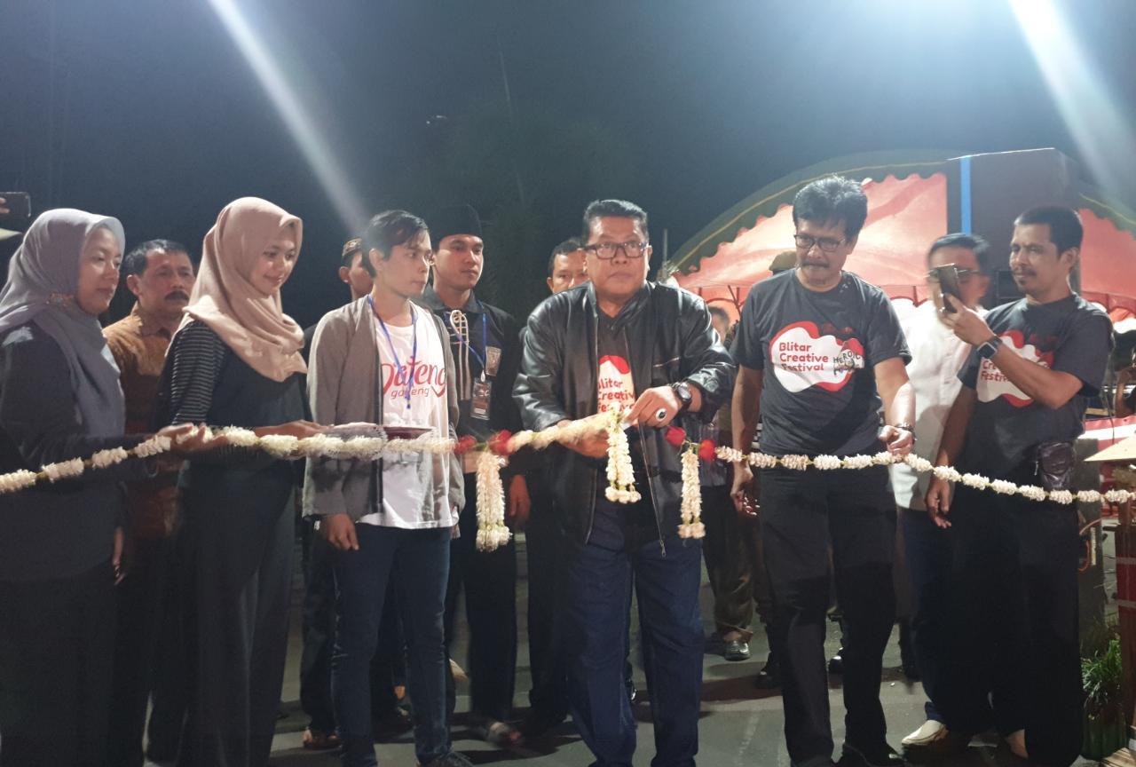 Plt Wali Kota Blitar Santoso membuka gelaran Blitar Creative Festival.(Foto : Kimasabri)