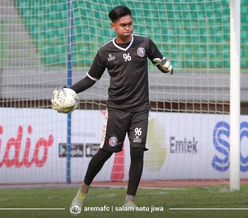 Kiper andalan Arema FC di Piala Presiden 2019, Kurniawan Kartika Ajie. (official Arema FC)