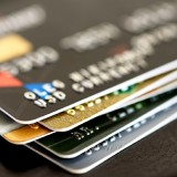 Kartu kredit, salah satu item yang banyak dimiliki masyarakat pas-pasan. (Foto: istimewa)