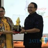 Bupati Blitar Rijanto bersama Sekretaris Dirjen Asia Pasifik dan Afrika Rossy Verona