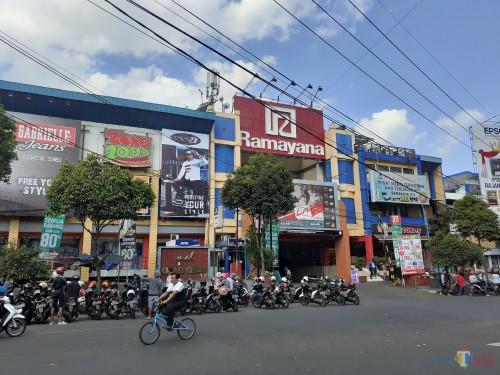 Ilustrasi gedung Mall Ramayana yang akan diambil alih Pemkot Malang (Arifina Cahyanti Firdausi/MalangTIMES)