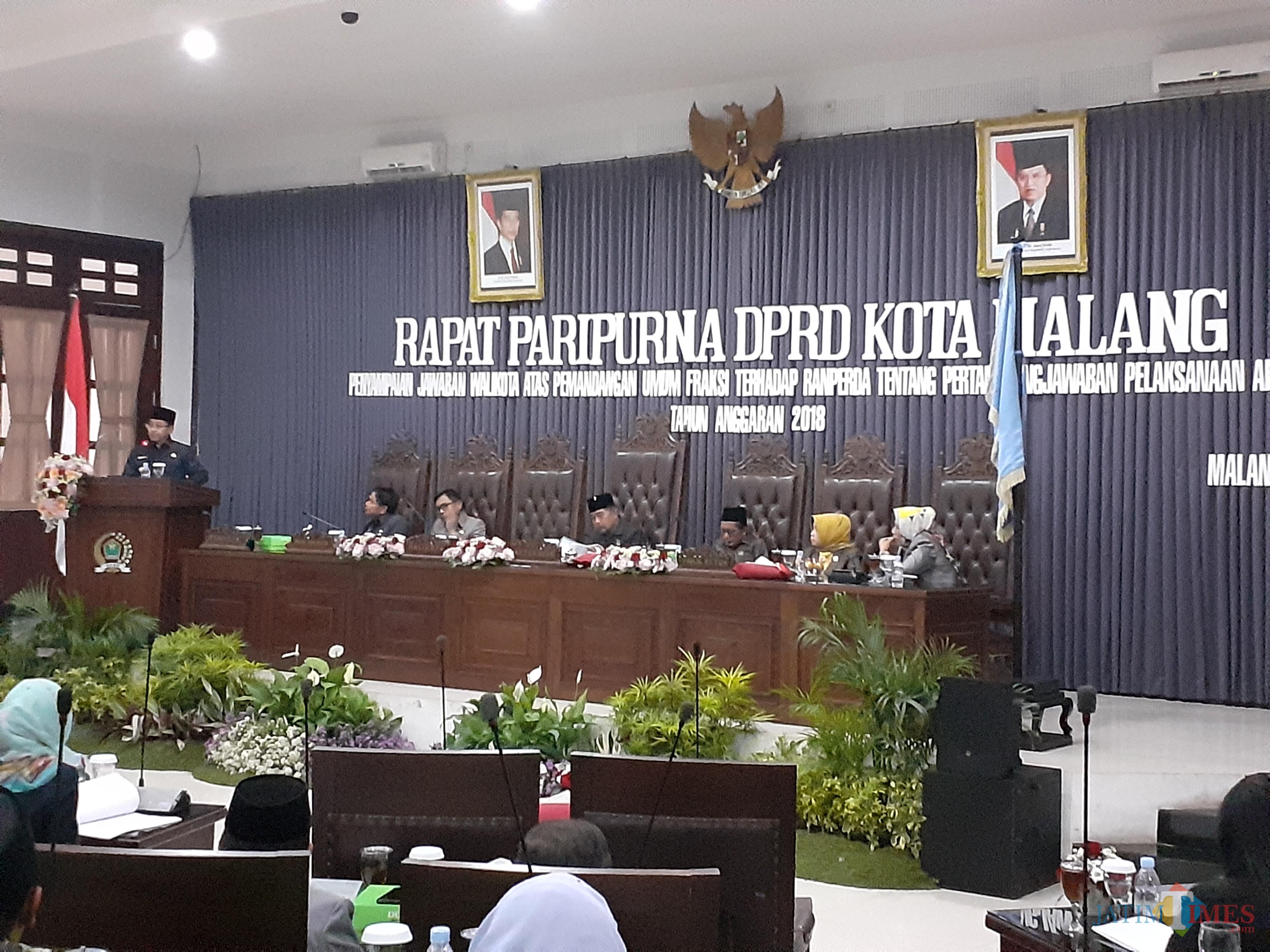 Suasana rapat paripurna di Kantor DPRD Kota Malang. (Arifina Cahyanti Firdausi/MalangTIMES)