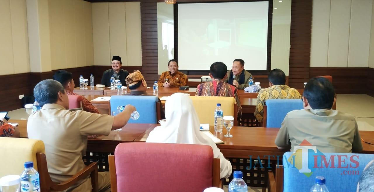 Acara diskusi yang dihadiri oleh Bupati Lumajang (Foto : Doc Humas / Jatim TIMES)