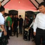 Jasad korban saat dievakuasi dari rumah korban menuju kamar mayat RSUD dr Muhammad Saleh Kota Probolinggo (Agus Salam/Jatim TIMES)