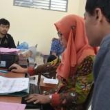 Seorang siswa saat mendaftar di salah satu SMAN di Tulungagung (foto : Joko Pramono/ JatimTIMES)