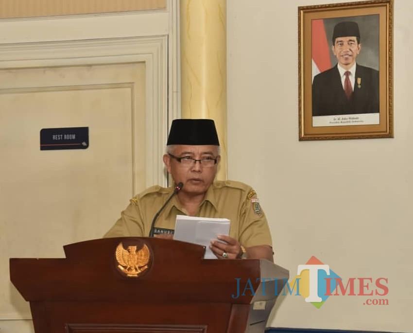 Wabup Malang Sanusi menyatakan dirinya tidak bisa membatalkan mutasi tanpa adanya putusan PTUN