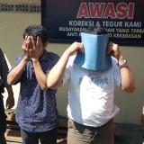 Dua tersangka pencurian besi bantalan rel KA