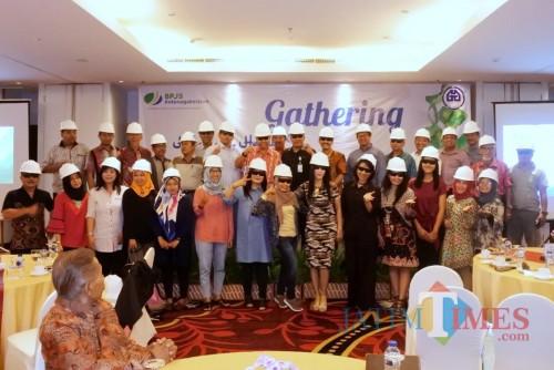 Halal bihalal BPJS Ketenagakerjaan Kediri dengan Gapensi. (Foto: B.Setioko/JatimTIMES)