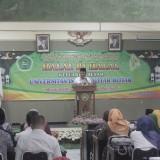 Rektor Unisba Blitar Soebiantoro saat memberikan sambutan dalam acara halal bi halal di Kampus I, Rabu (19/6/2019).(Foto : Aunur Rofiq/BlitarTIMES)