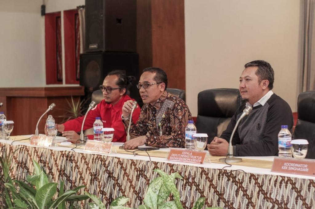 Kabid Pengembangan Iklim Penanaman Modal Dinas Penanaman Modal dan Perizinan Terpadu Satu Pintu (DPM-PTSP) Kota Malang Sony Bachtiar (tengah) (Istimewa)