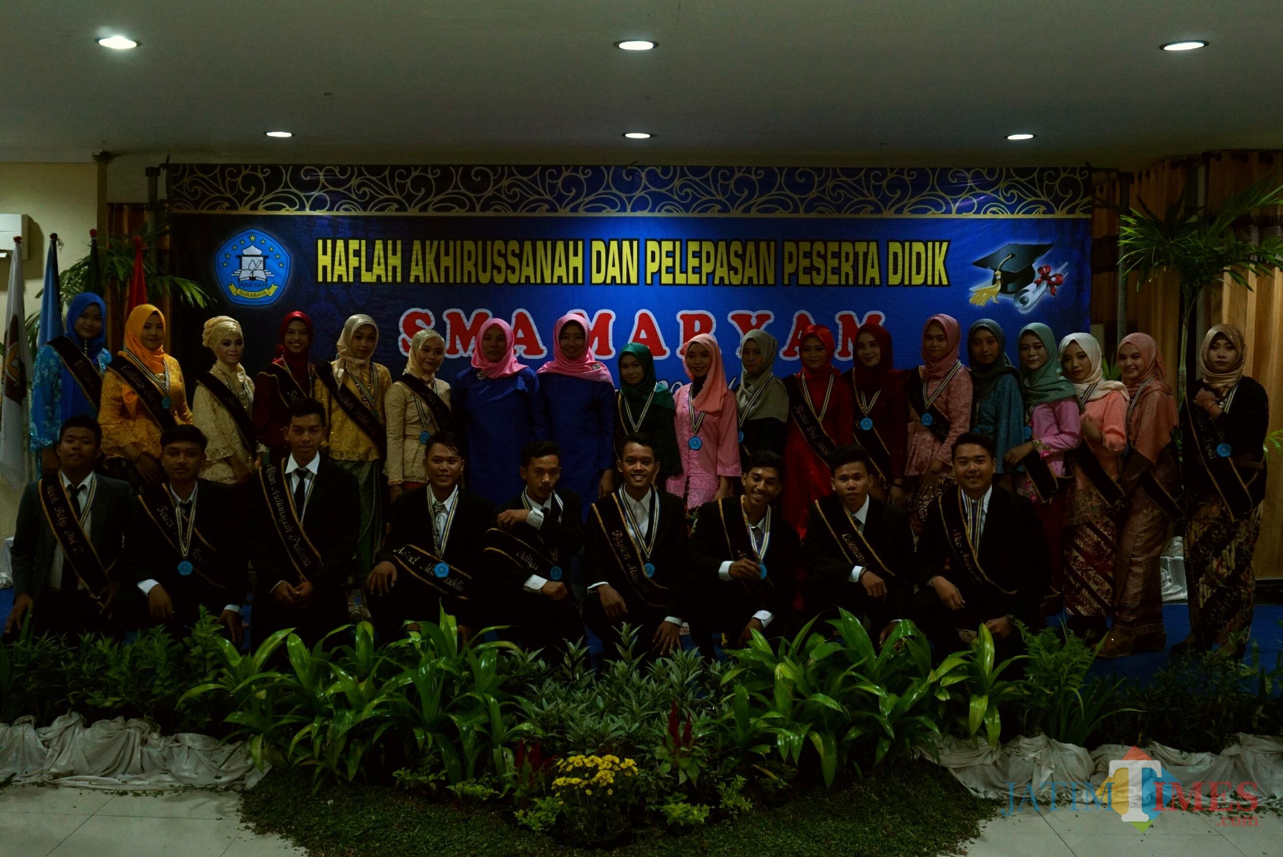 Prosesi wisuda di SMA Islam Maryam