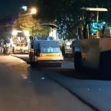 Alat berat yang melakukan pengaspalan di Jalan Kebalen Wetan dinihari (20/6/2019) (DPUPR)