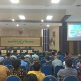 Para dosen dan karyawan UIN Malang saat mendengarkan paparan mengenai investasi untuk masa pensiun dari BRI. (Foto: Humas)