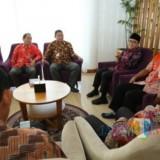 Tim Ombudsman Perwakilan Jawa Timur saat diterima Bupati Banyuwangi Abdullah Azwar Anas