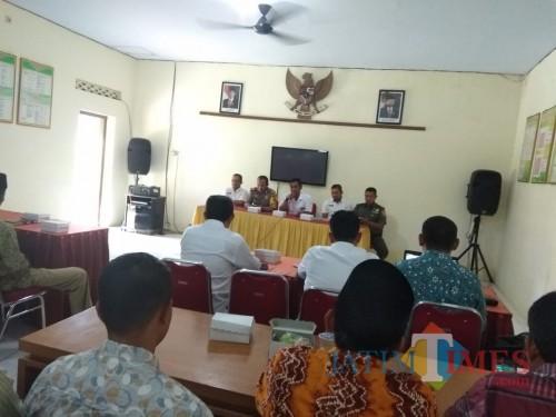 Beberapa kali mediasi dilakukan pihak muspika Kecamatan Gondang, tapi buntu. / Foto : Istimewa / Tulungagung TIMES