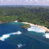Keindahan dan eksotisme pantai Kondang Merak, Bantur, Kabupaten Malang, surga tersembunyi yang akan terbuka dengan lanjutan pembangunan JLS II (Ist)