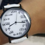 Jam tangan dengan desain soal matematika. (Foto: istimewa)