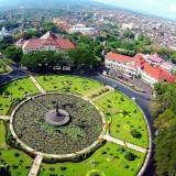 Tugu Balai Kota Malang (Istimewa)