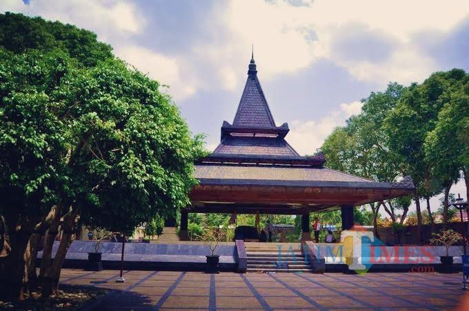 Makam Bung Karno.(Foto : Team  BlitarTIMES)