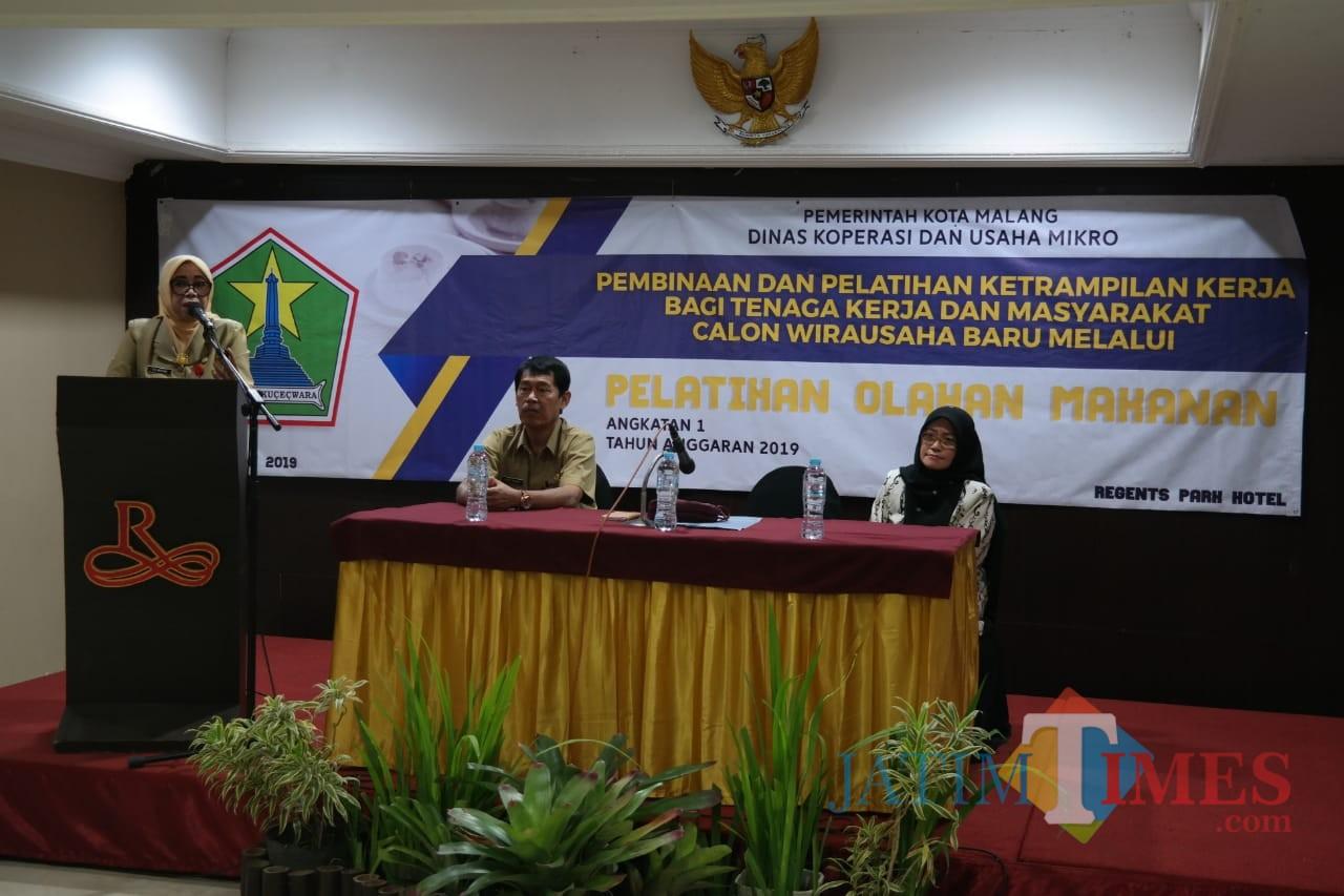 Pembinaan dan Pelatihan Keterampilan Kerja Bagi Tenaga Kerja dan Masyarakat Calon Wirausaha Baru Melalui Pelatihan Olahan Makanan (Pipit Anggraeni/MalangTIMES).