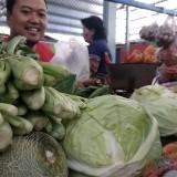 Sayur mayur mengalami kenaikan harga di sejumlah pasar tradisional di Kota Malang. (Foto: Nurlayla Ratri/MalangTIMES)