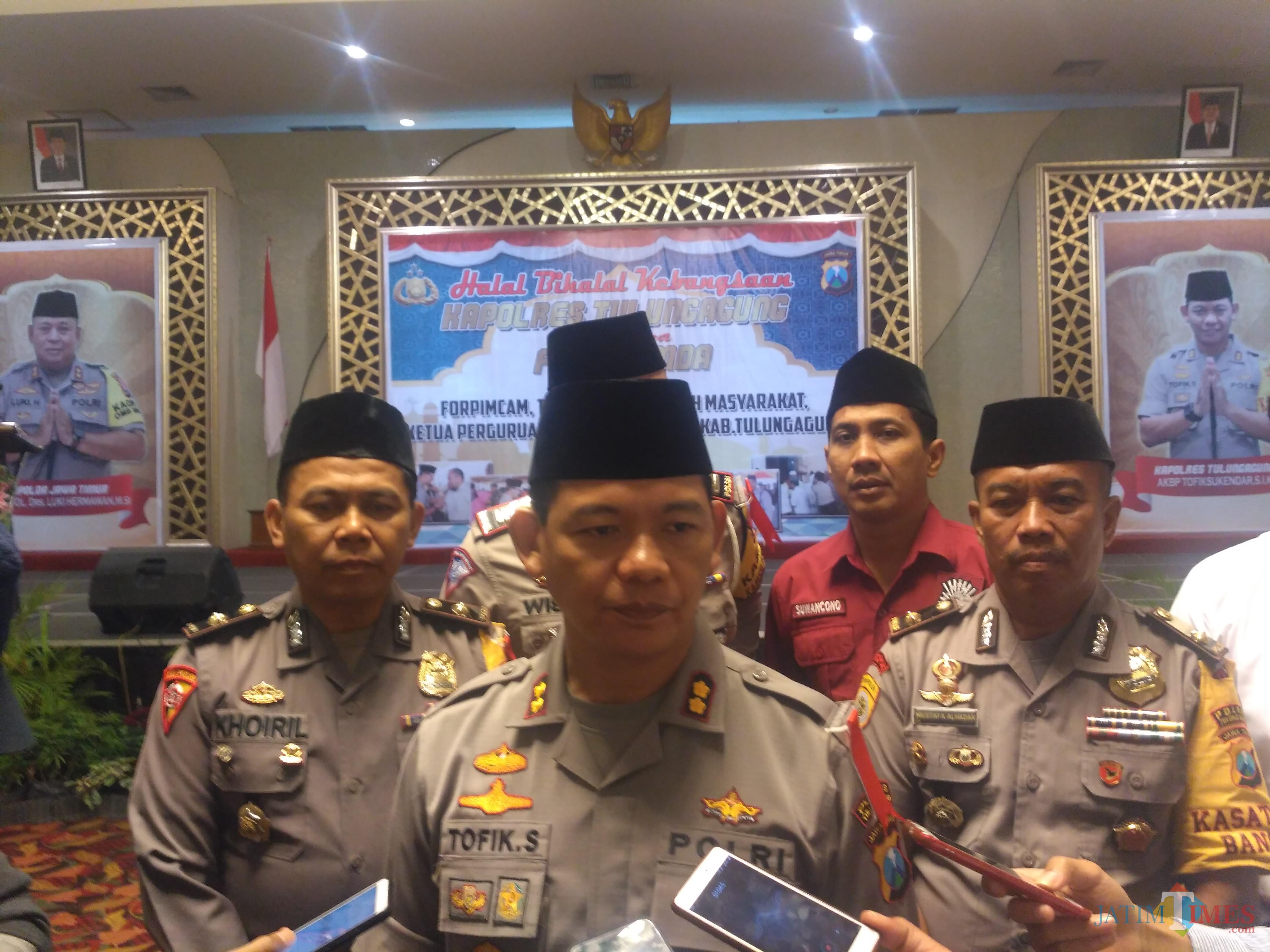 Kapolres Tulungagung AKBP Tofik Sukendar di Hotel Istana, Selasa (25/06/2019). / Foto : Anang Basso / Tulungagung TIMES