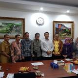 Kepala DPKPCK Kabupaten Malang Wahyu Hidayat (4 dari kiri) dalam rapat Seknas Akkopsi di Jakarta (for MalangTIMES)