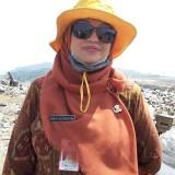 Plt Kepala DLH Kota Malang Diah Ayu Kusumadewi saat menghadiri kegiatan Pembinaan Daerah Rawan Pembuangan Sampah Liar. (Arifina Cahyanti Firdausi/MalangTIMES)