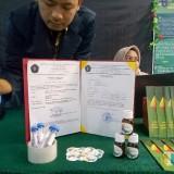 Salah satu produk penelitian mahasiswa FK UB yang lolos pendanaan Dikti. (Foto: Imarotul Izzah/MalangTIMES)