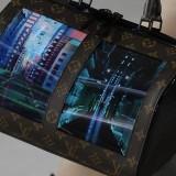 Tampilan tas layar OLED Louis Vuitton. (Foto: Istimewa)