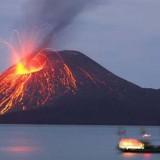 Meletusnya Gunung Krakatau. (istimewa)