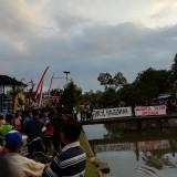 Warga Desa Kabupaten Malang Pilih Tunggu Hasil Pilkades Dibanding Nonton Penetapan Presiden
