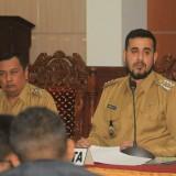 Wali Kota Probolinggo Hadi Zainal Abidin didampingi wakilnya H, Soufis Subri saat merilis hasil kerjanya selama 99 hari (Agus Salam/Jatim TIMES)